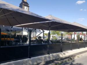 parasols extérieurs restaurant Reims